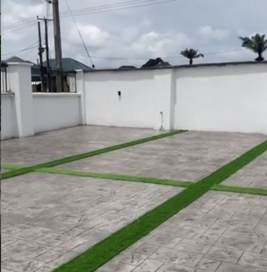 Premium grass installed on increte 1